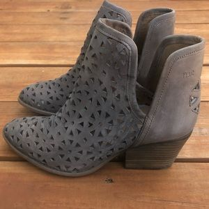 Musse & Cloud Brown Ankle Boots NWT